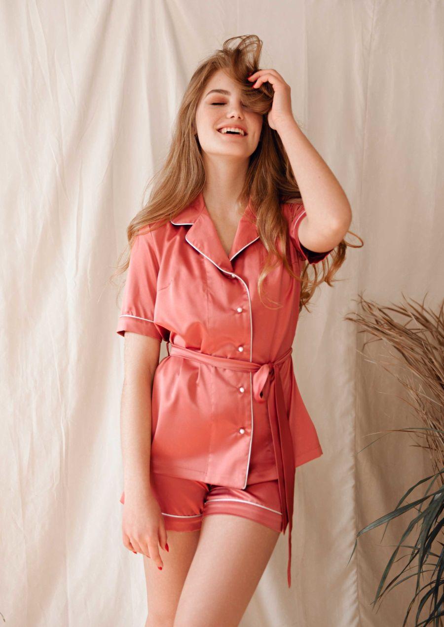 Loungewear satin Lipstik your musa shirt shorts la musa