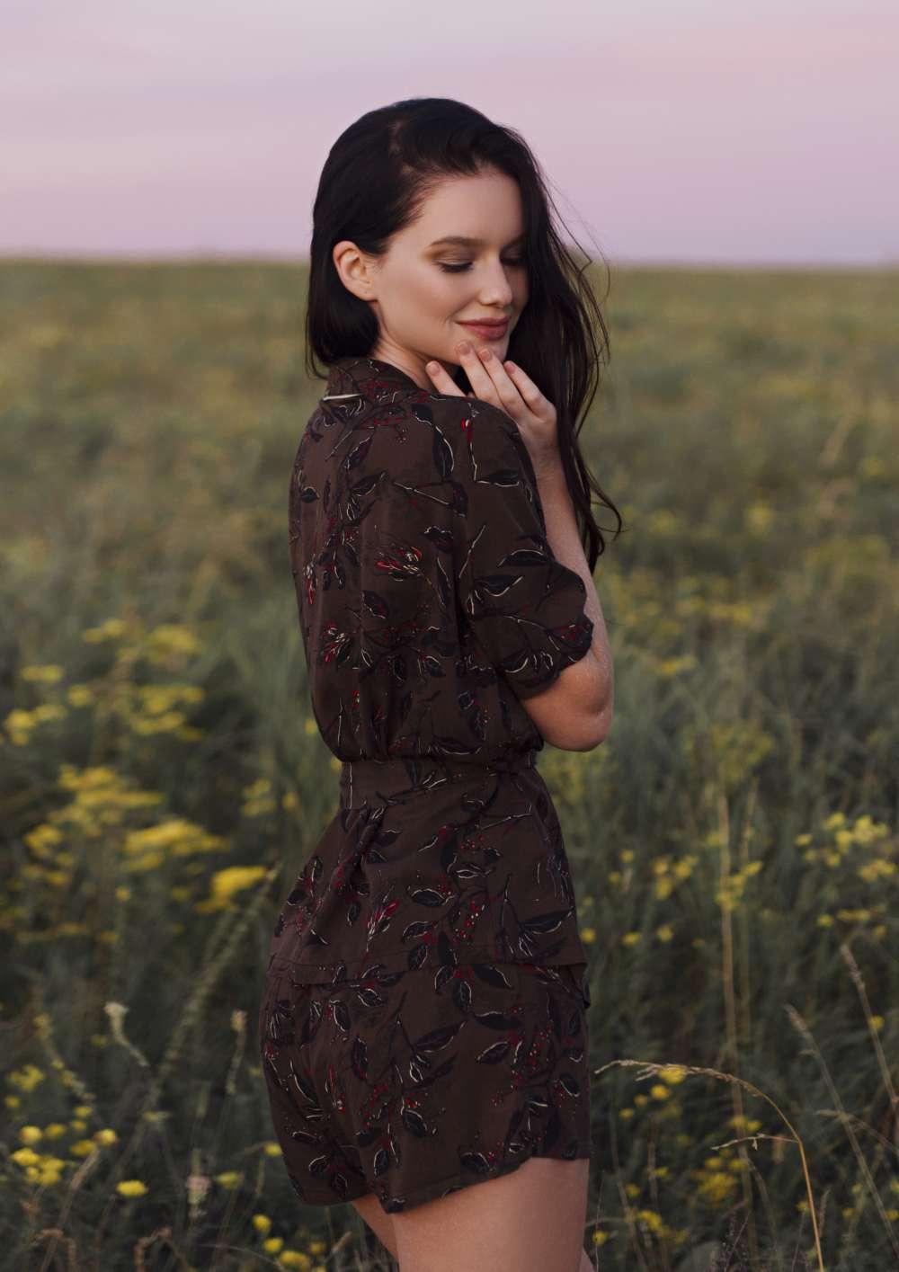 natural fabric Loungewear organic linen cotton Cranberry dessert your musa pants and long sleeve kimono la musa chic outfit