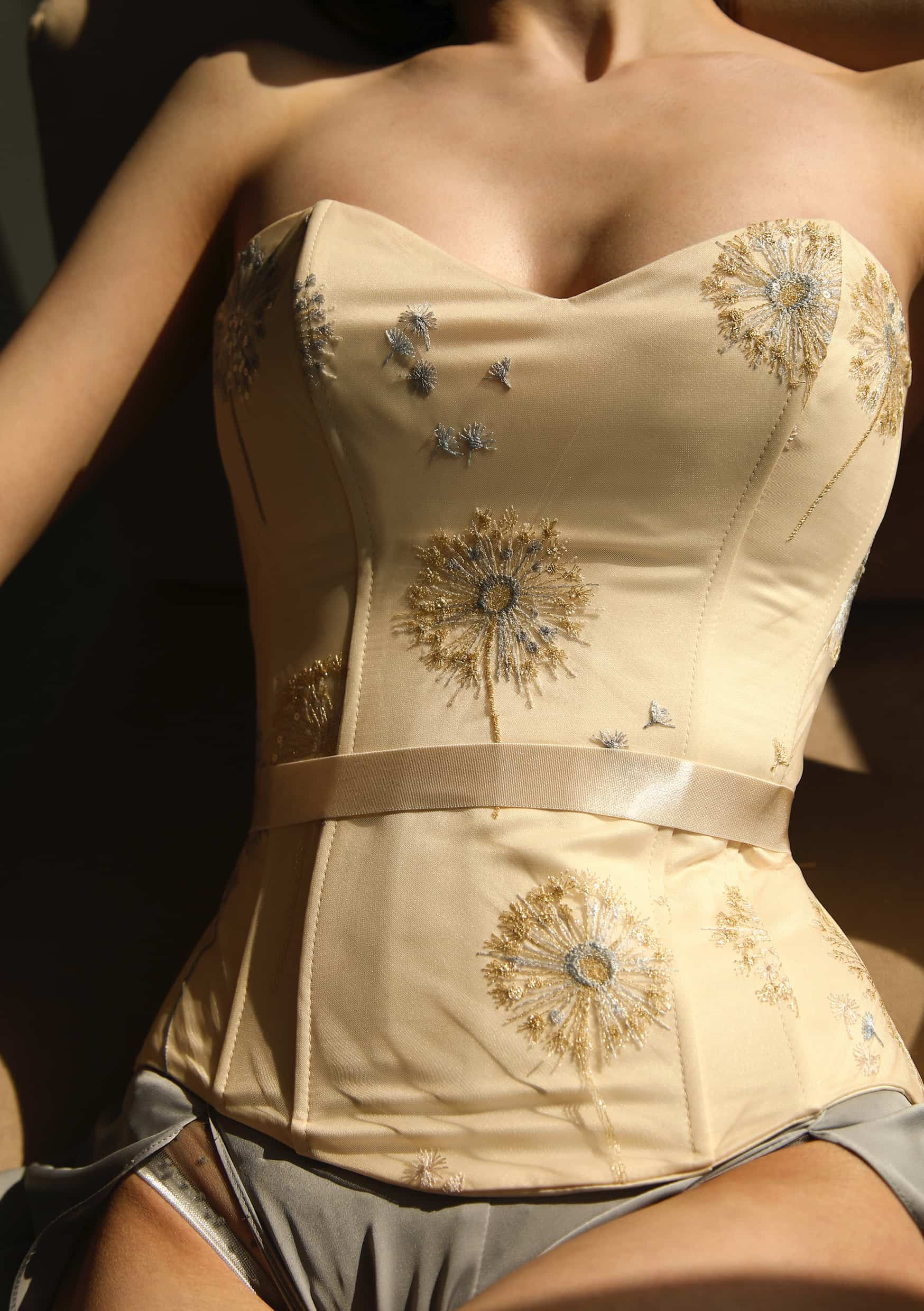 Corset sexy dress embroidery