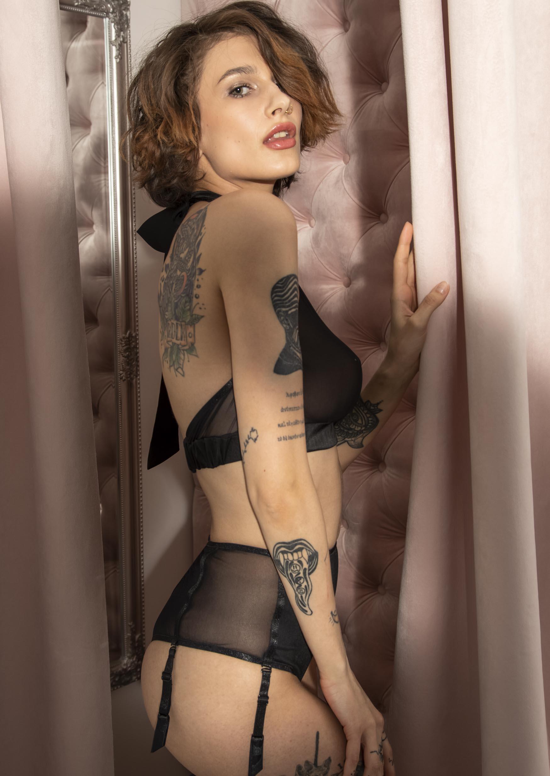 Love lingerie set transparent sexy black lingerie with gloves