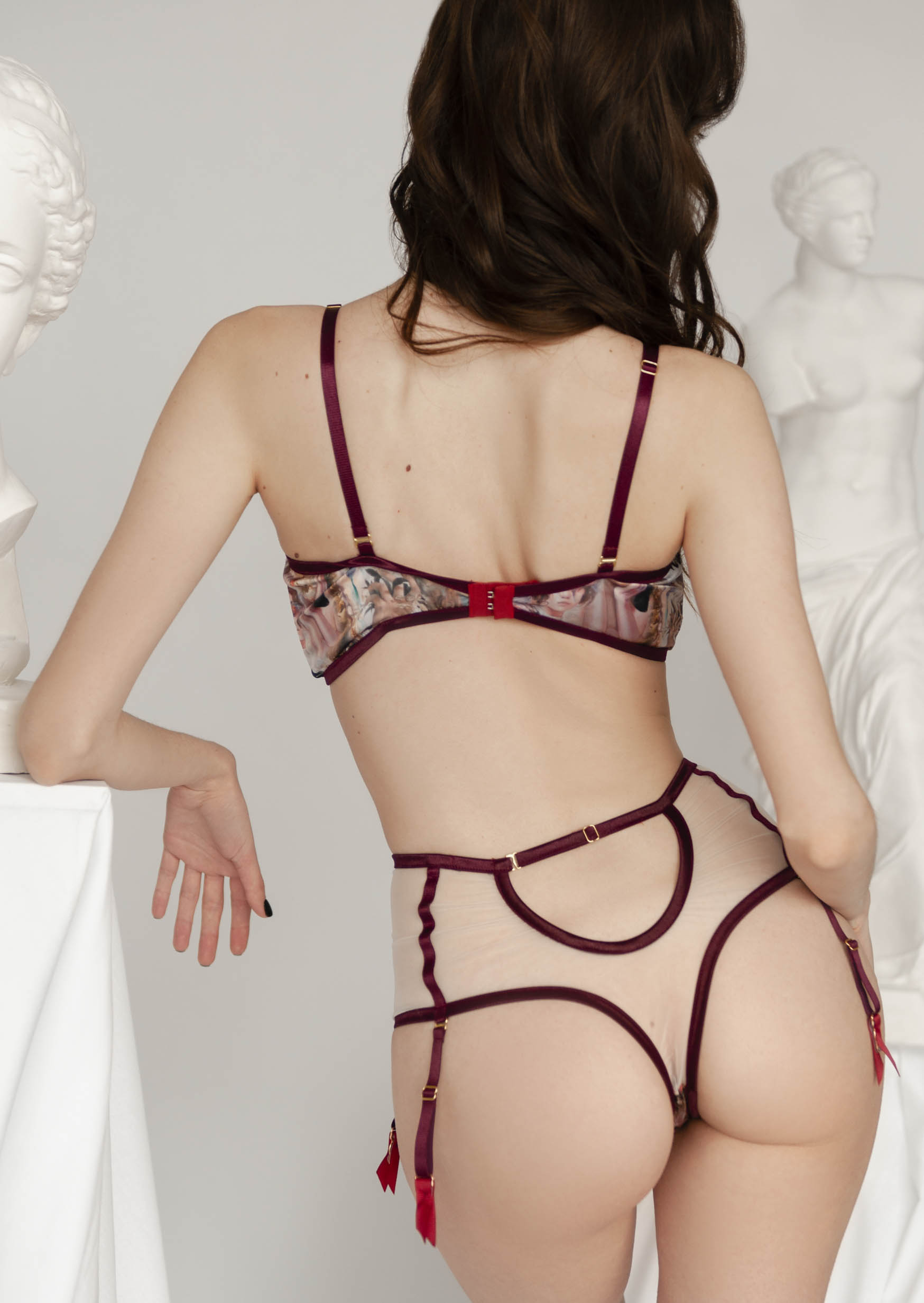 Art print silk lingerie with garter belt underwired bra with high-waisted thong
