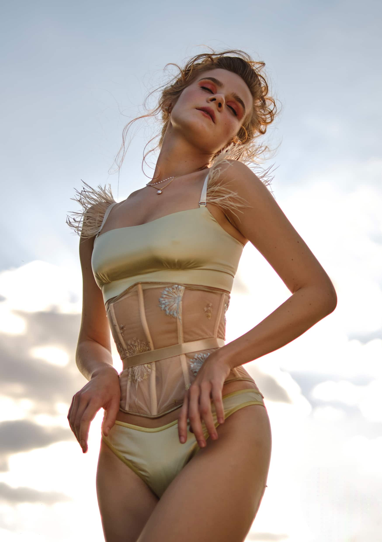 Lingerie corset la musa your musa Lemon Ice Coreset la musa model