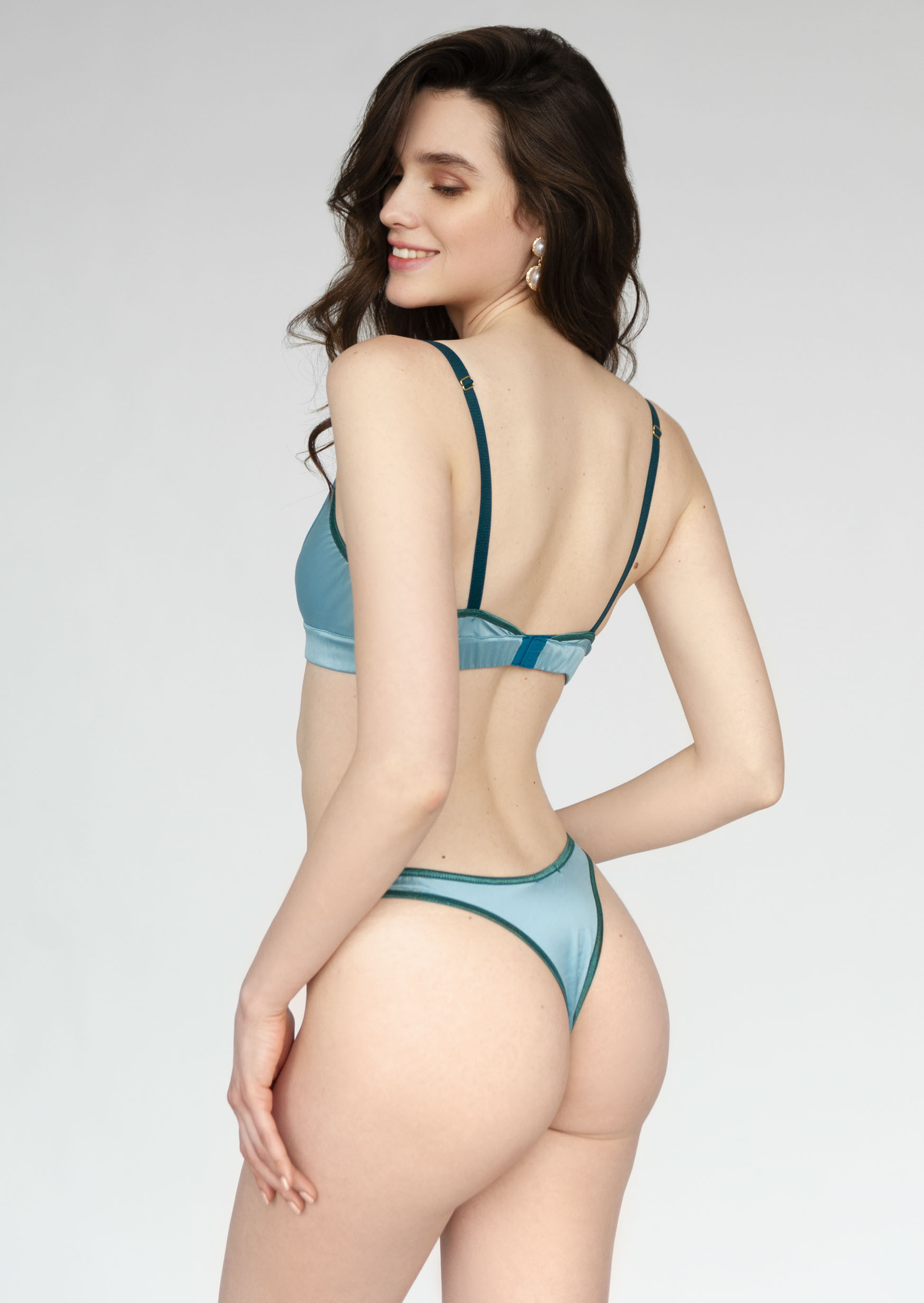 Deep ocean lingerie set blue pure non wired bra and brazilian panties