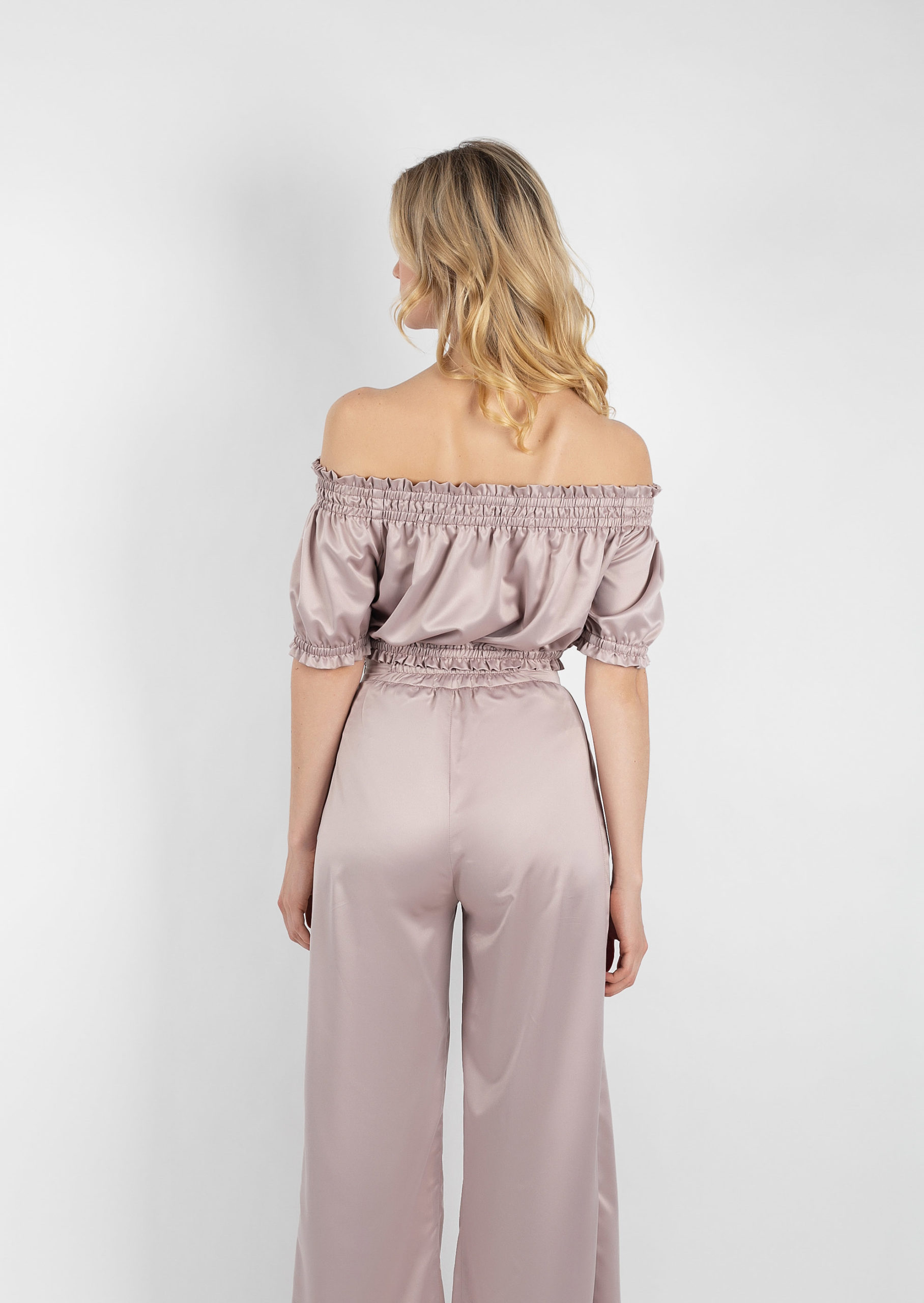 French cream set / beige sexy eveningwear with pants with deep slits / brown satin cappuchino evening set / off-the-shoulder evening wear