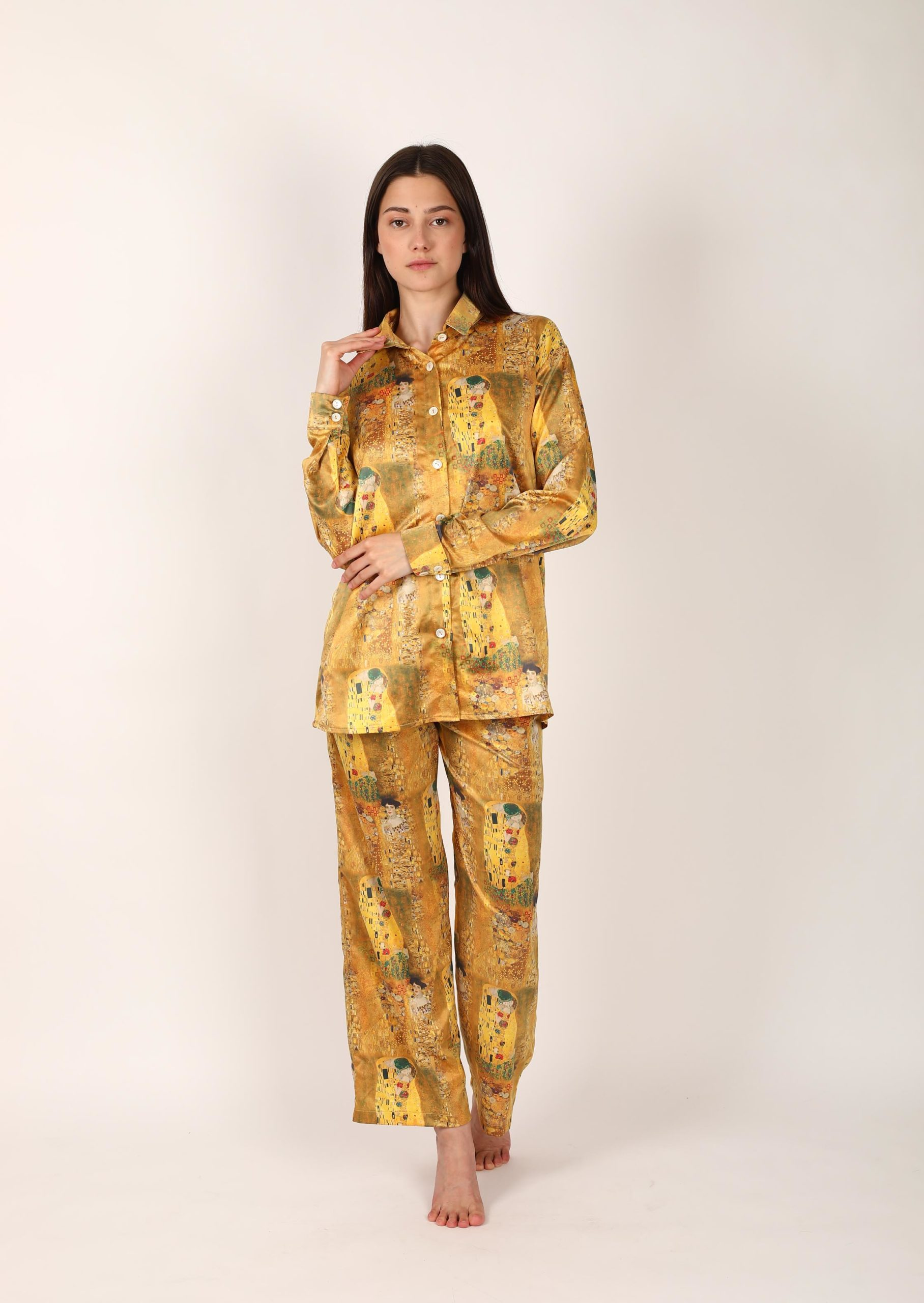 Silk kiss loungewear set / organic pajama set with print of Gustav Klimt / elegant satin pattern sleepwear for women with shirt and pants