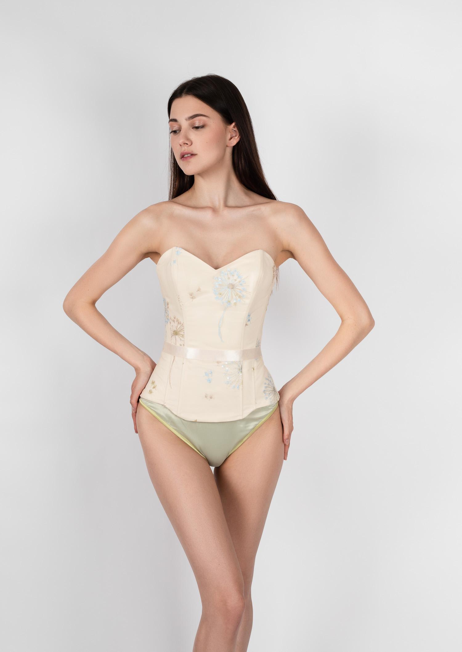 Beige nude vintage corset / underbust hourglass corset / reneissance steel boned corset / sun light corset belt / sexy elegant corset top
